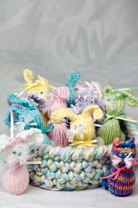 Cascade Yarns Cherub Aran, Cherub Aran Multis and Cherub Aran Wave Free Pattern A190 Bunnies and Kitties with Tray