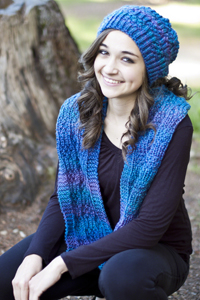 Cascade Yarns | Free Pacific Chunky Wave Pattern C258 Chill Chaser Hat and Scarf