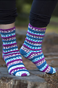 Cascade Yarns Heritage Prints Free Pattern FW190 Popp'in Prints Socks