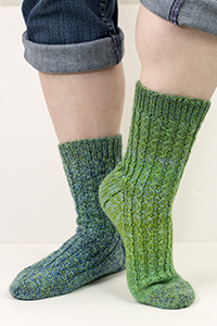 Cascade Yarns Heritage Wave Free Pattern FW218 Winding Roads Socks