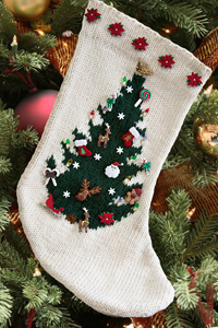 Knitted Hats Patterns Easy : Cascade Yarns  - Knitted Holiday Patterns